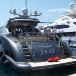 Luxusní loď v Monaku