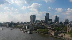 Pohled z Tower Bridge