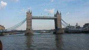 Tower Bridge z Temže